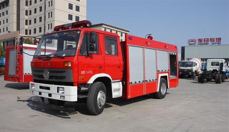 6-8吨东风天锦水罐消防车