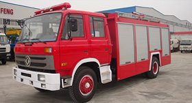 东风153泡沫消防车